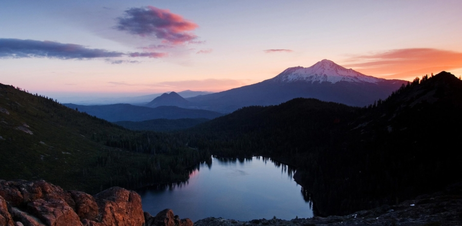 castle-mtshasta-sunrise